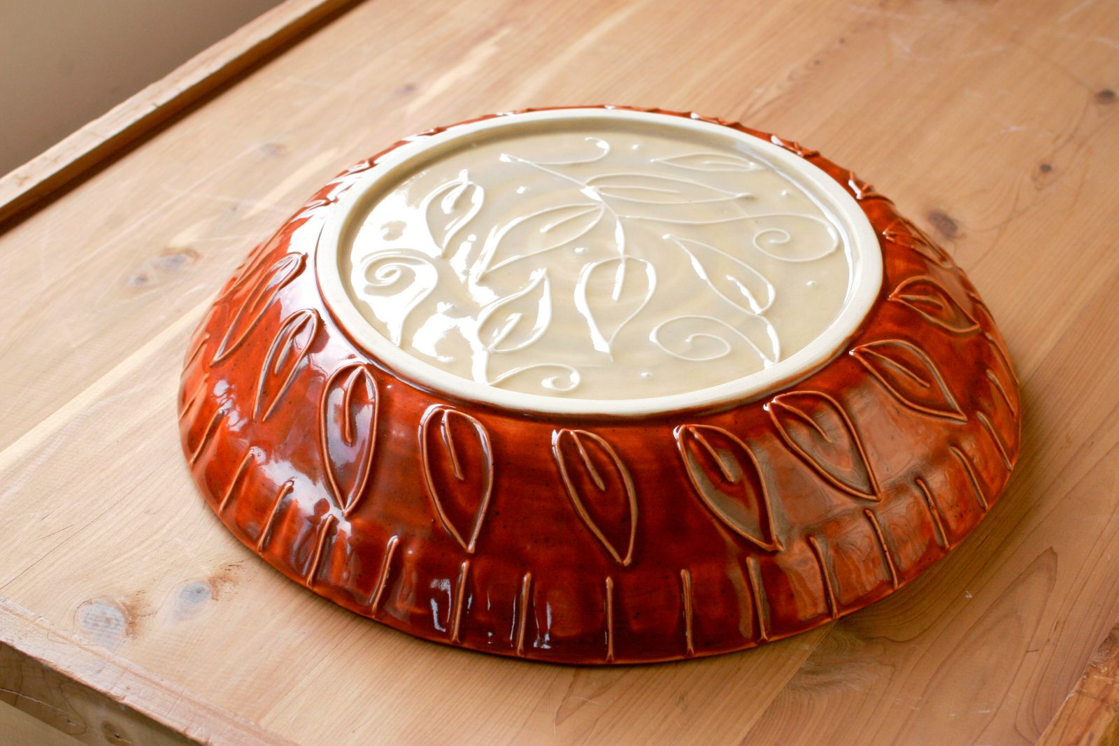 Custom Wedding Pie Plate, exterior with slip trailed leaves