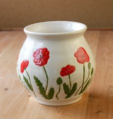 Poppy vase in cream and crimson