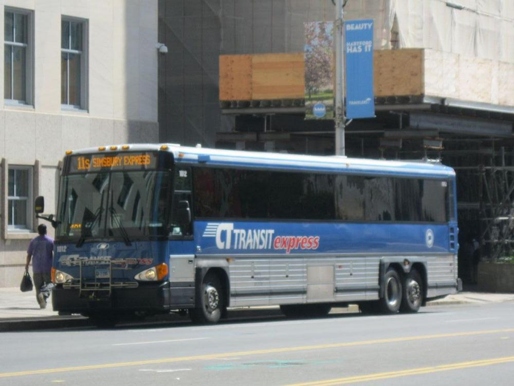 CT Transit MCI on the 11s Simsbury Express