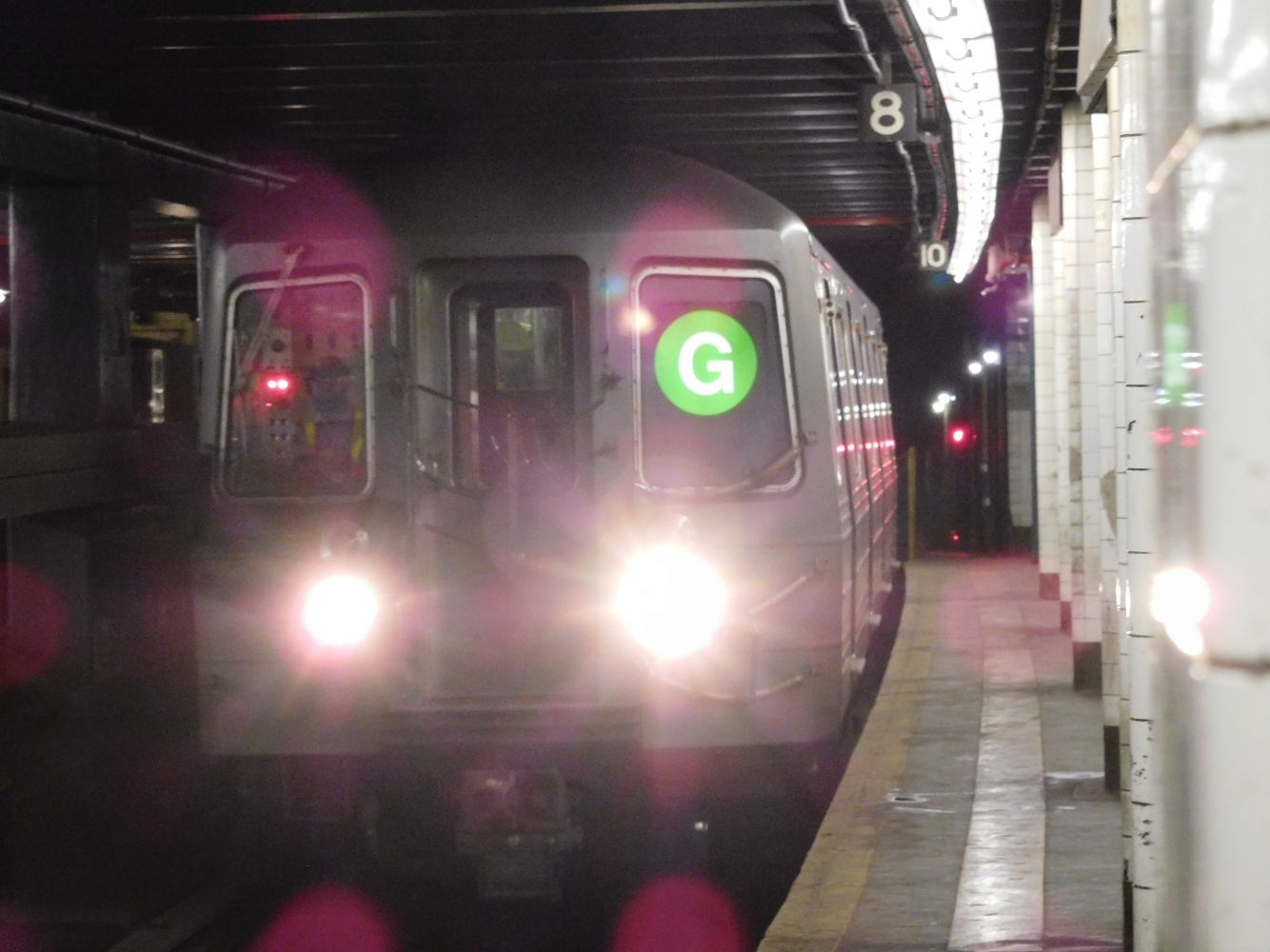 R68A (G) train arriving at Hoyt-Schermerhorn Streets on the Queens-bound track