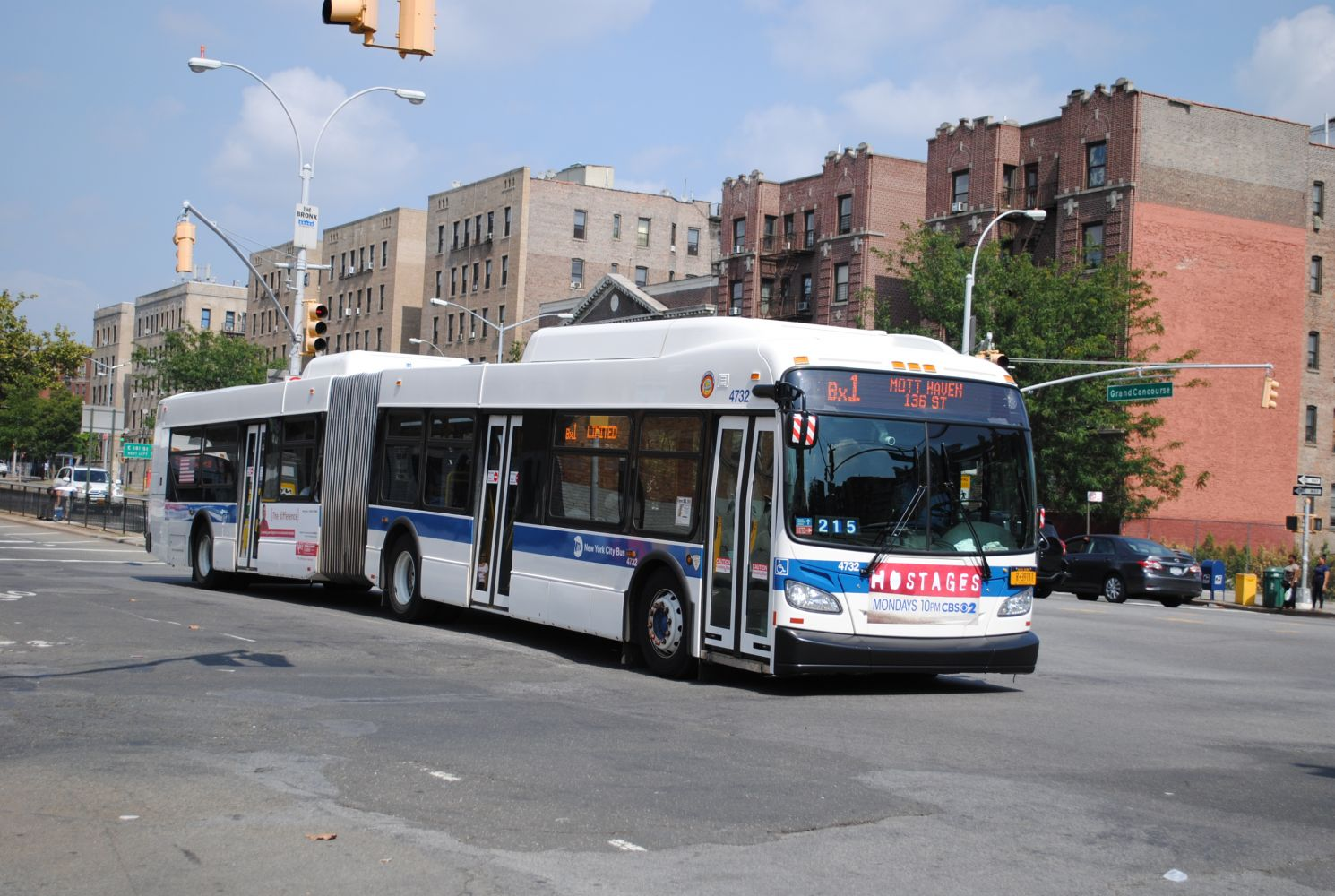 New Flyer XD60 4732 on the Bx1