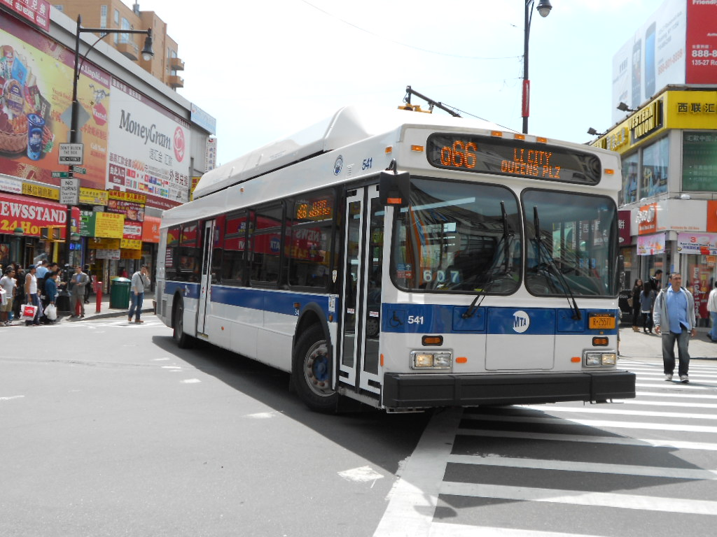 New Flyer C40LF on the Q66