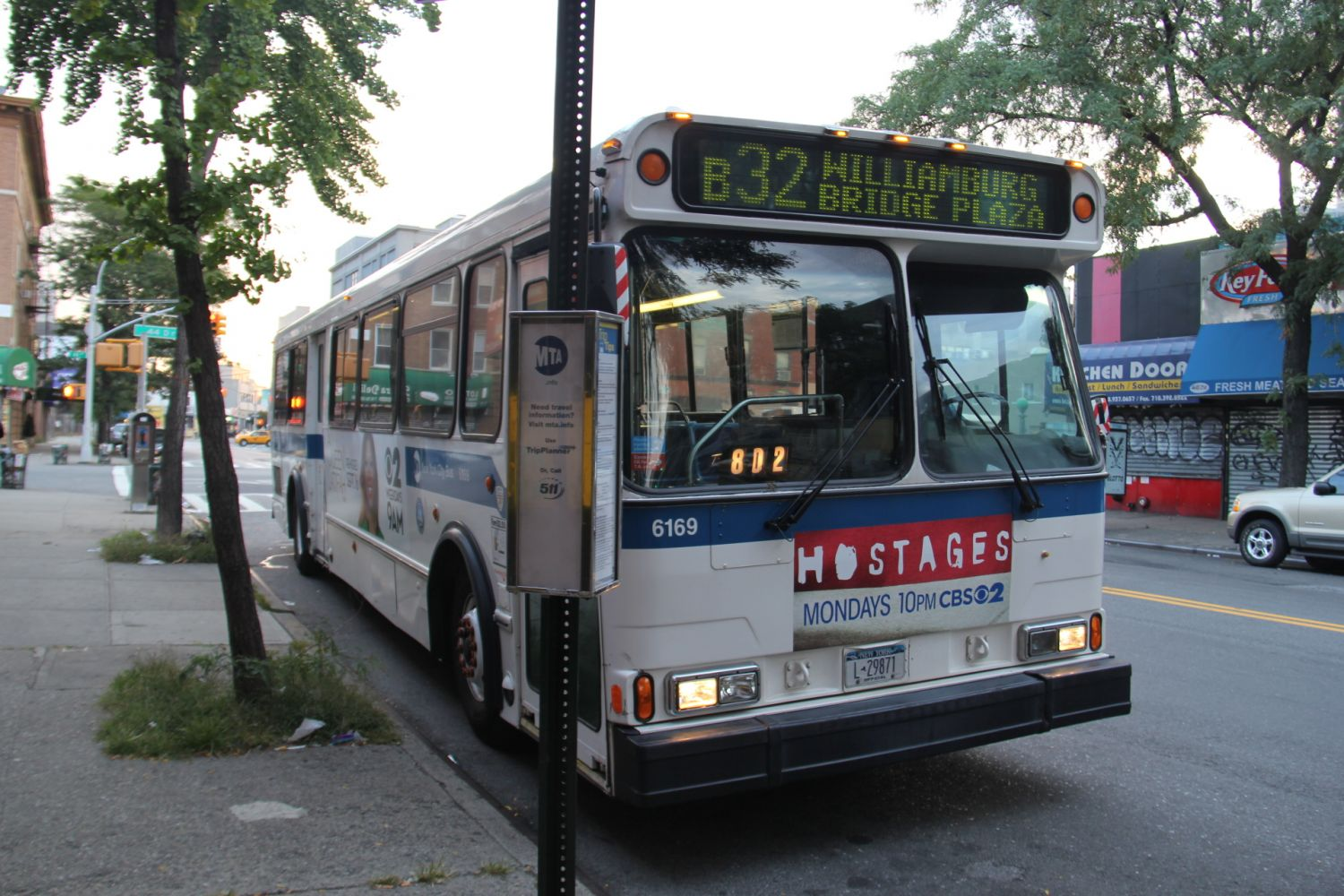 1999 Orion V #6169 B32 at 21st Street and 44th Drive