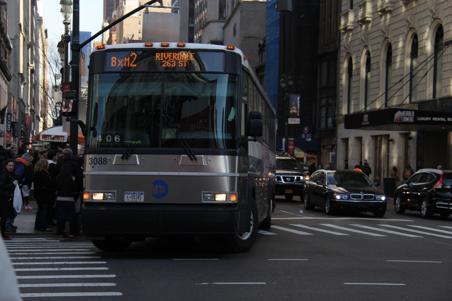 D4500CL BxM2 at 34th Street and 6th Avenue