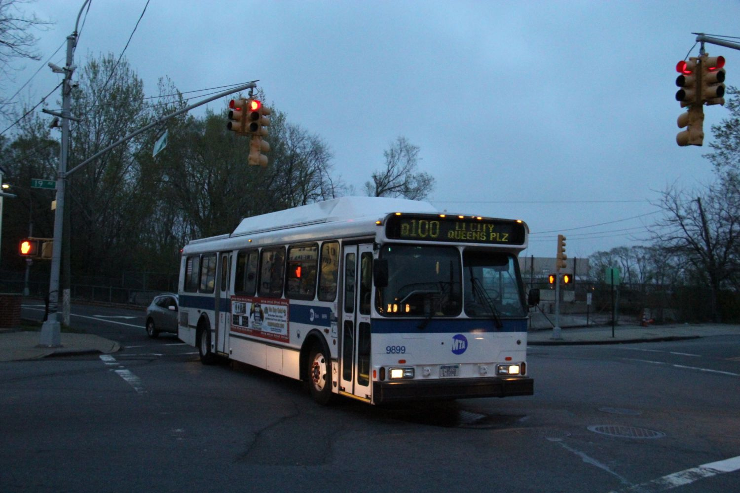 Orion V CNG Q100 at Hazen Street and 19th Avenue
