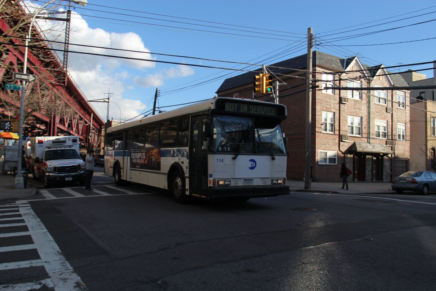 OOS Orion V at 23rd Avenue and 33rd Street