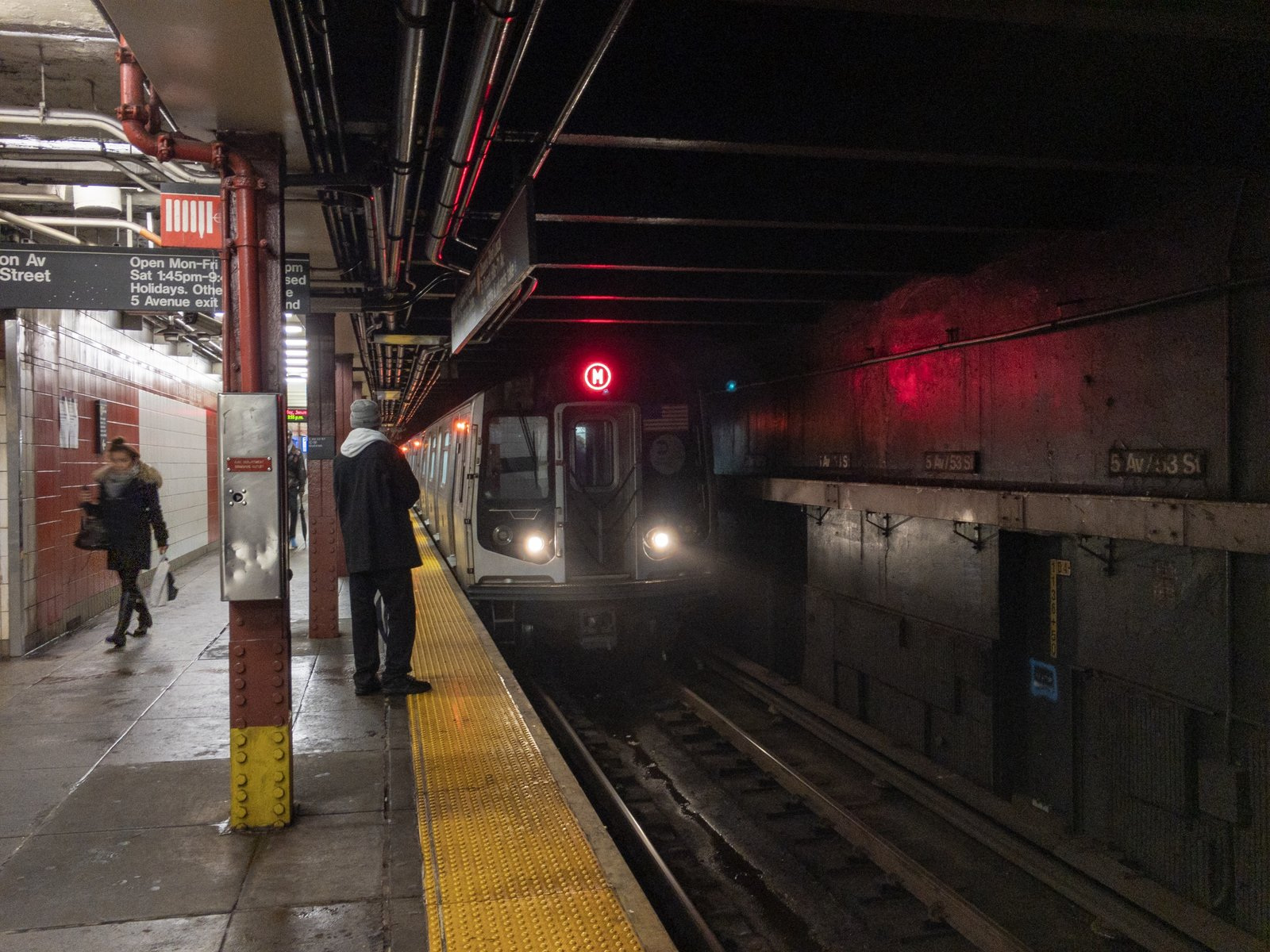 M Train at 5 Av-53 St