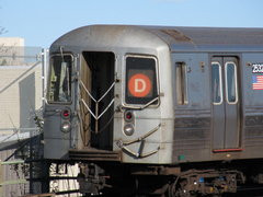 D train approaching 9th Avenue