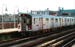 R142A's 7720 on the 4 @ Fordham-Jerome