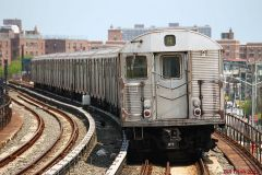 R32 A train at B 67th Street