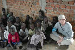 ~Unicef-Uganda_320685382_BucketHat w Kids_HQ1024x681