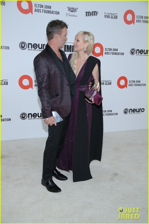 thomas-jane-anne-heche-elton-john-oscar-party-03.jpg