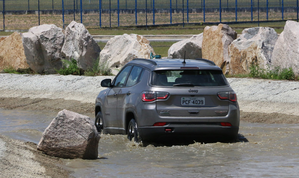 jeep_compass_trailhwak_2017_13.jpg