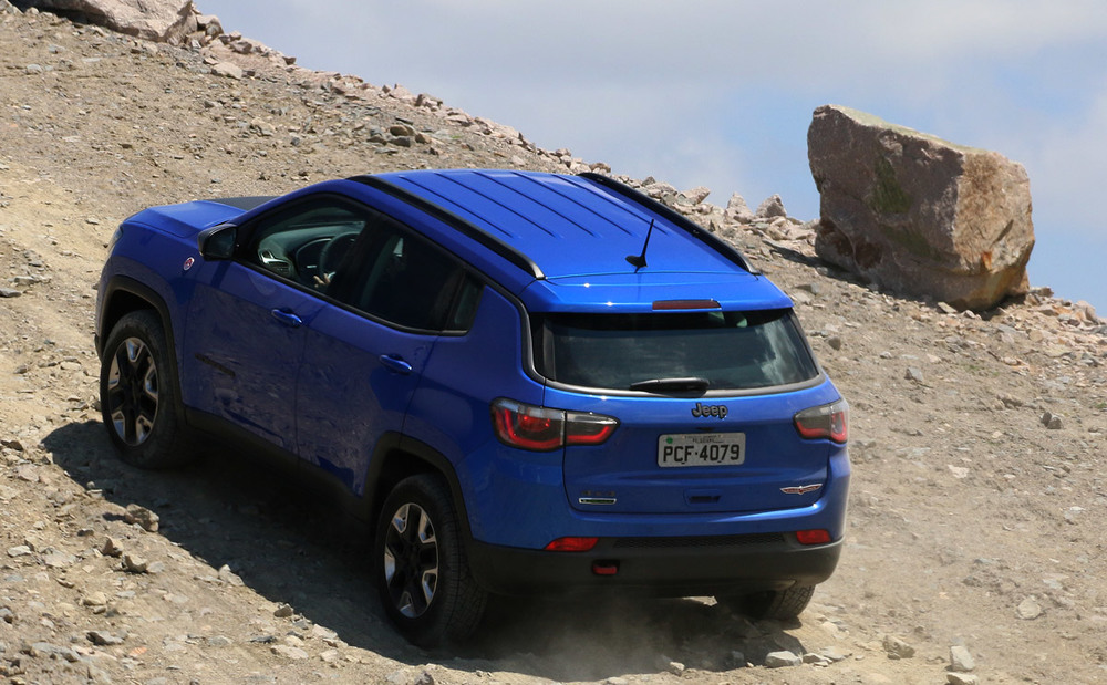 jeep_compass_trailhwak_2017_18.jpg