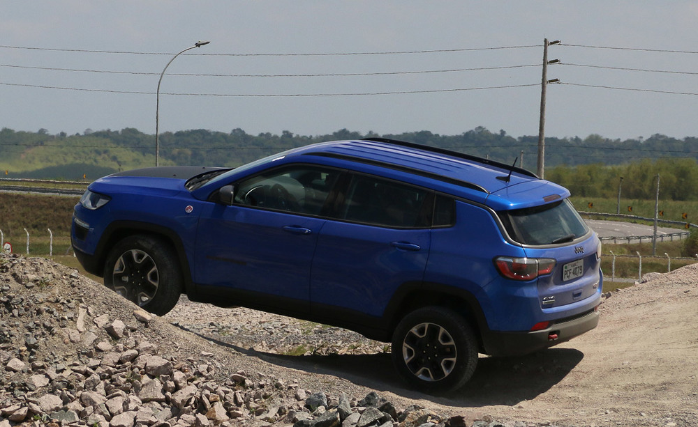 jeep_compass_trailhwak_2017_9.jpg