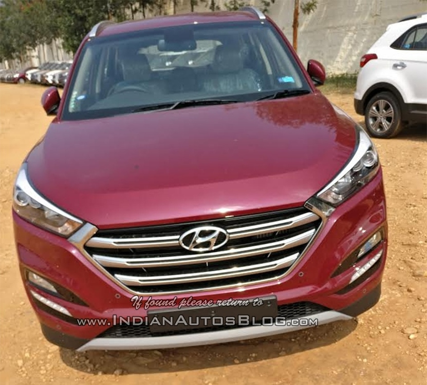 2016-Hyundai-Tucson-spied-front-dealership.jpg