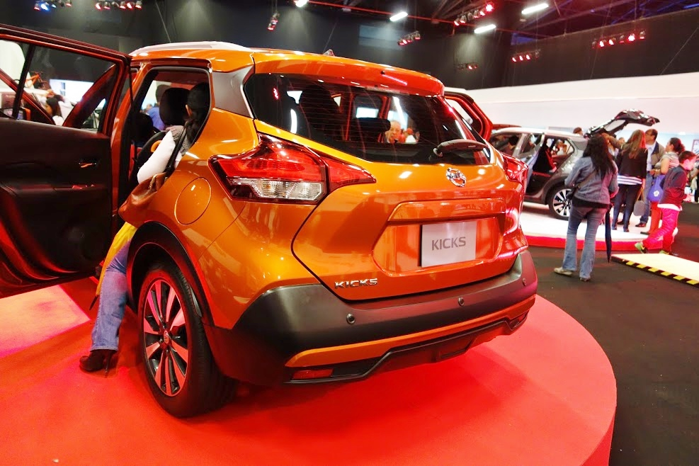 Nissan-Kicks-rear-three-quarters-at-2016-Bogota-Auto-Show.jpeg
