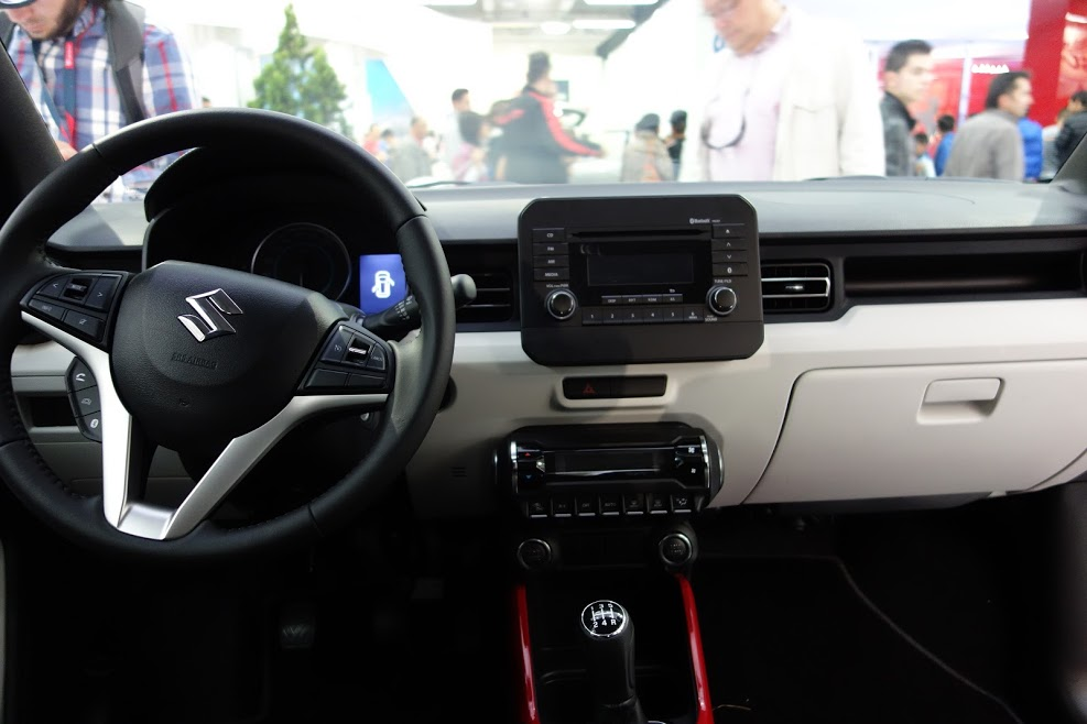 Suzuki-Ignis-interior-dashboard-at-2016-Bogota-Auto-Show.jpeg