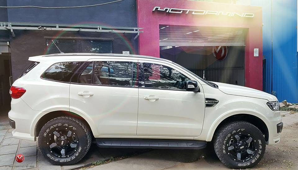 Modified-Ford-Endeavour-Motormind-13.jpg