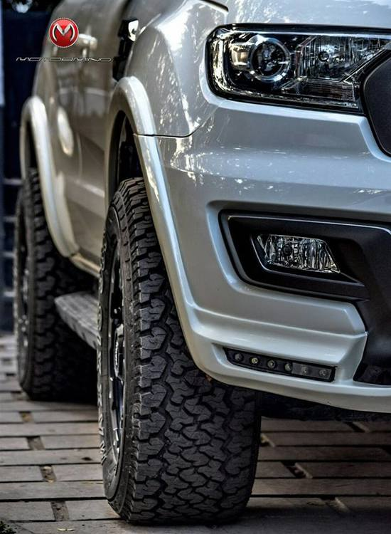 Modified-Ford-Endeavour-Motormind-3.jpg