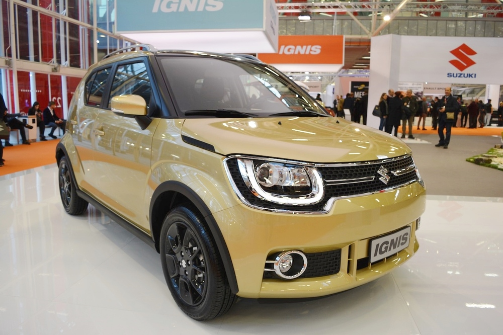 Suzuki-Ignis-front-three-quarters-at-2016-Bologna-Motor-Show.jpeg