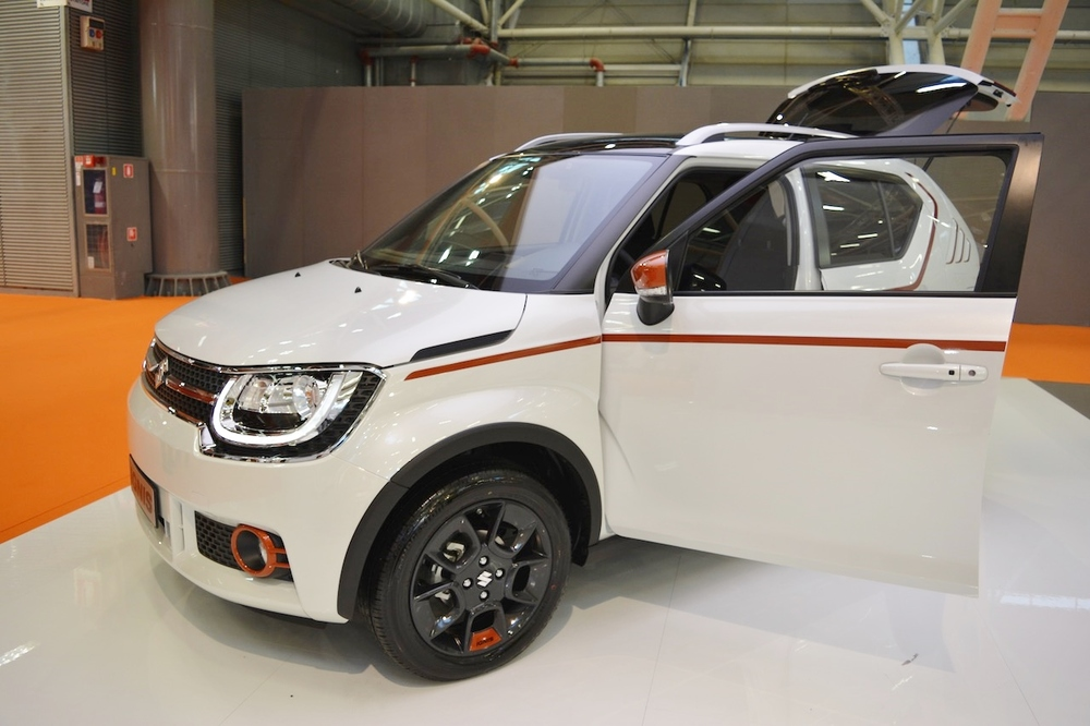 Suzuki-Ignis-iUNIQUE-front-three-quarters-at-2016-Bologna-Auto-Show.jpeg