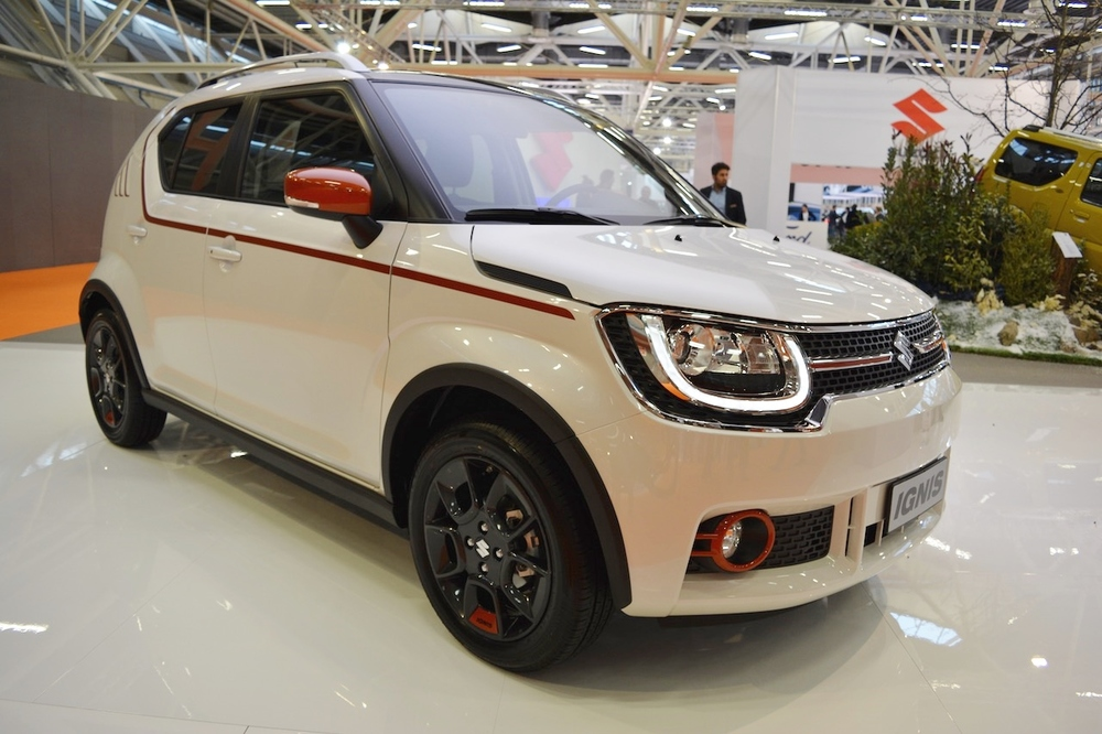 Suzuki-Ignis-iUNIQUE-front-three-quarters-right-side-at-2016-Bologna-Auto-Show.jpeg