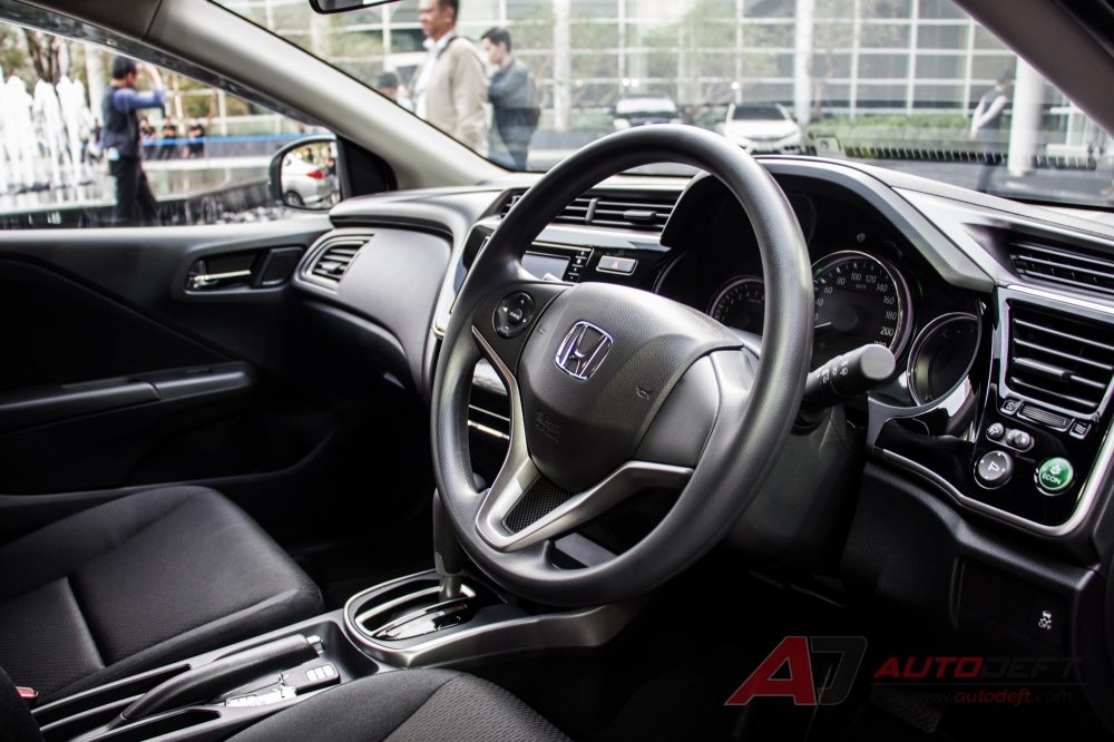 2017-Honda-City-interior-live.jpg