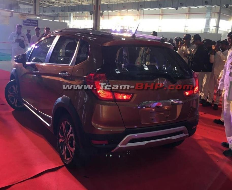 Honda-WR-V-rear-snapped-in-Honda-India-plant.jpg