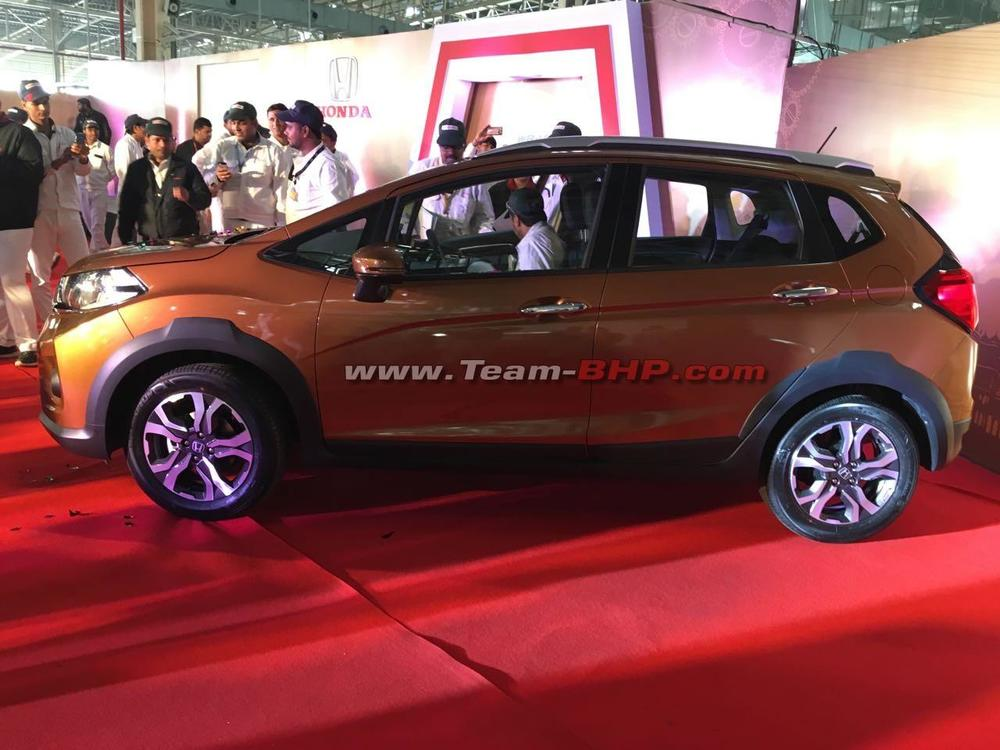 Honda-WR-V-side-snapped-in-Honda-India-plant.jpg