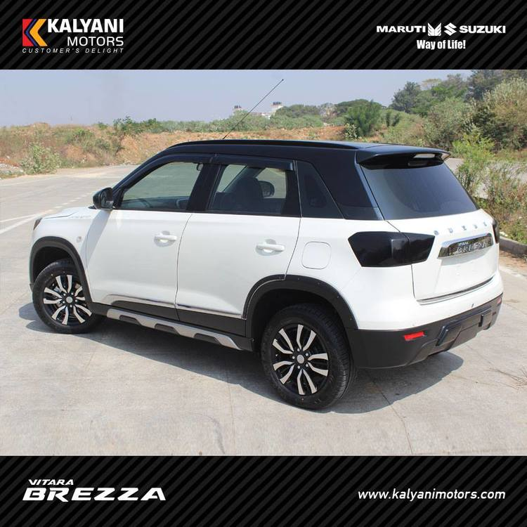 Maruti-Vitara-Brezza-Limited-Edition-by-Kalyani-Motors-rear-three-quarter.jpg