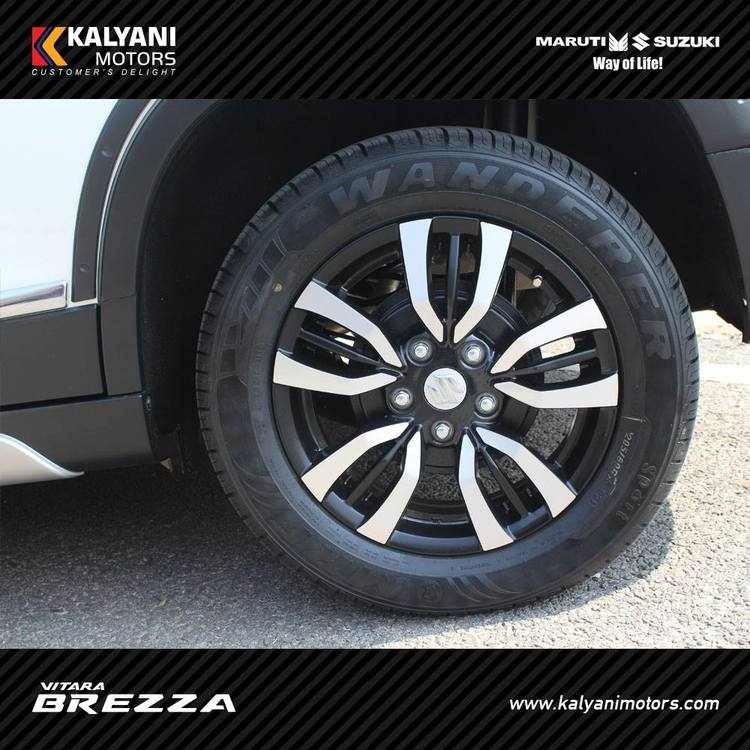 Maruti-Vitara-Brezza-Limited-Edition-by-Kalyani-Motors-wheel.jpg