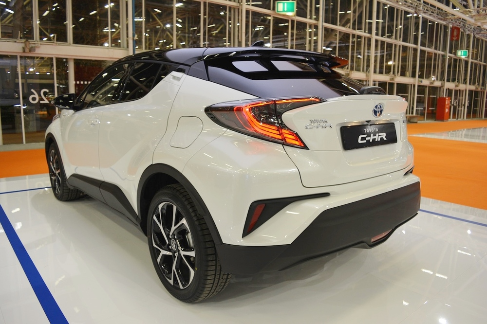 Toyota-C-HR-rear-three-quarters-at-2016-Bologna-Motor-Show.jpeg