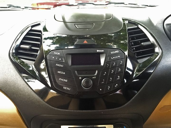 ford-figo-aspire-india-interior-exterior-fetures-diesel-india-review-photo-zigwheels-11072015-m19_720x540.jpg