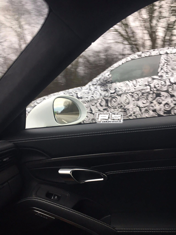 Lamborghini-Urus-front-window-spy-shot.jpg