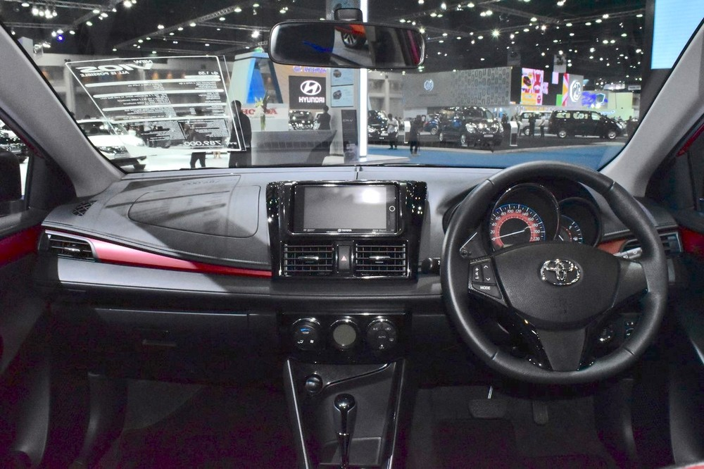 2017-Toyota-Yaris-sedan-Vios-dashboard-showcased-at-BIMS-2017.jpg