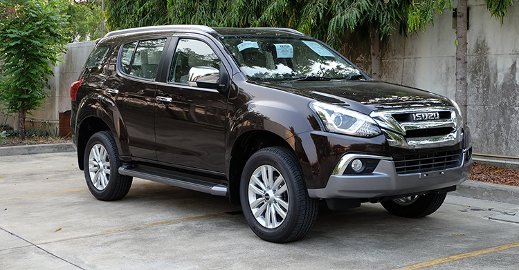 India-bound-2017-Isuzu-MU-X-facelift-front-quarter-image.jpg