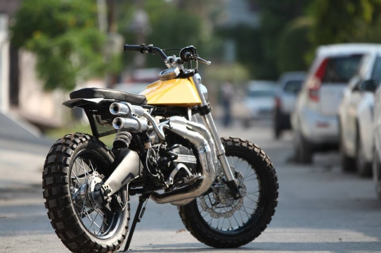 Yamaha-RD350-Scrambler-by-Moto-Exotica-rear-three-quarter.jpg