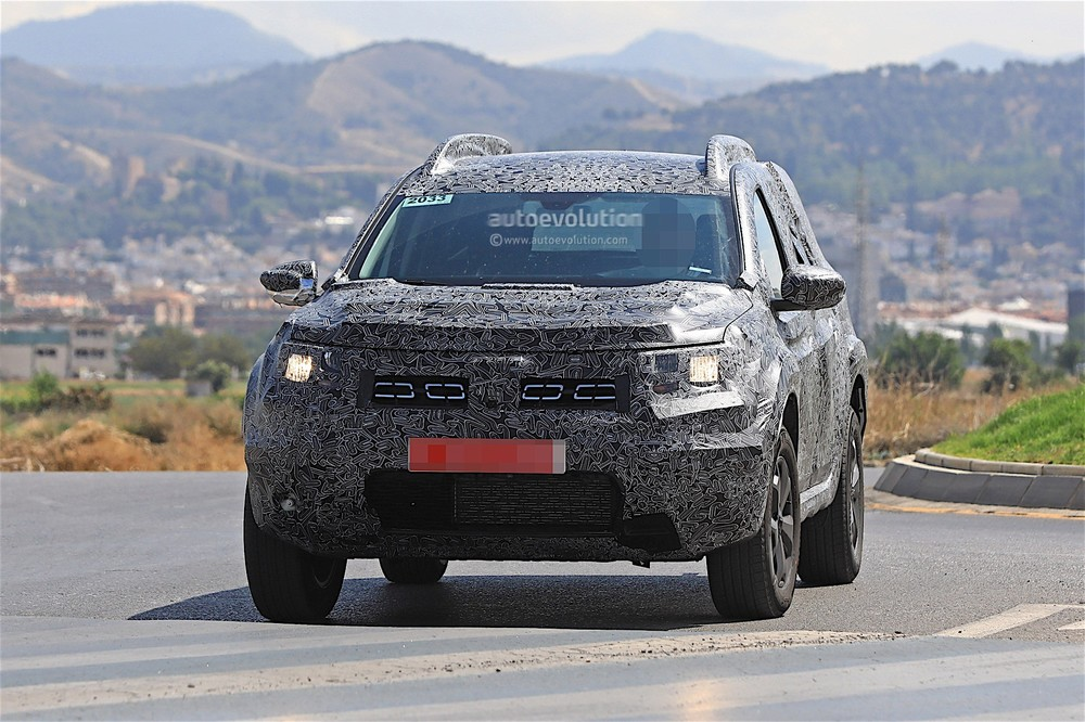 2019-dacia-duster-prototype-spied-for-the-first-time_3.jpg
