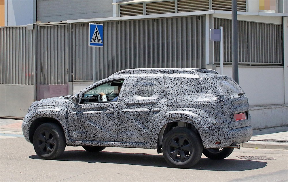 2019-dacia-duster-spied-for-the-first-time-prototype-looks-familiar_18.jpg