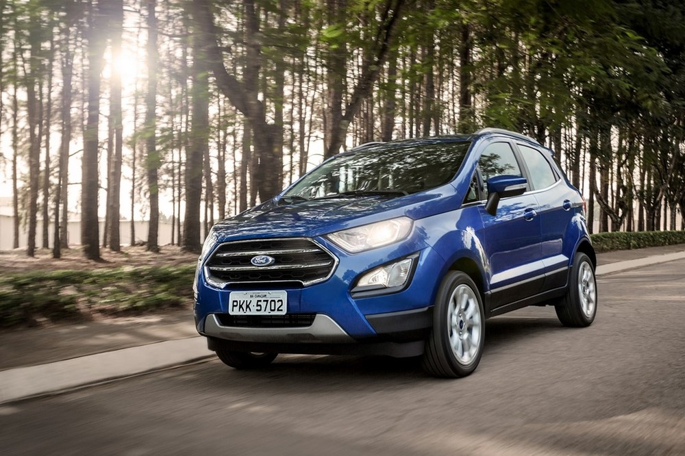 Brazilian-spec-2018-Ford-EcoSport-front-three-quarters.jpg