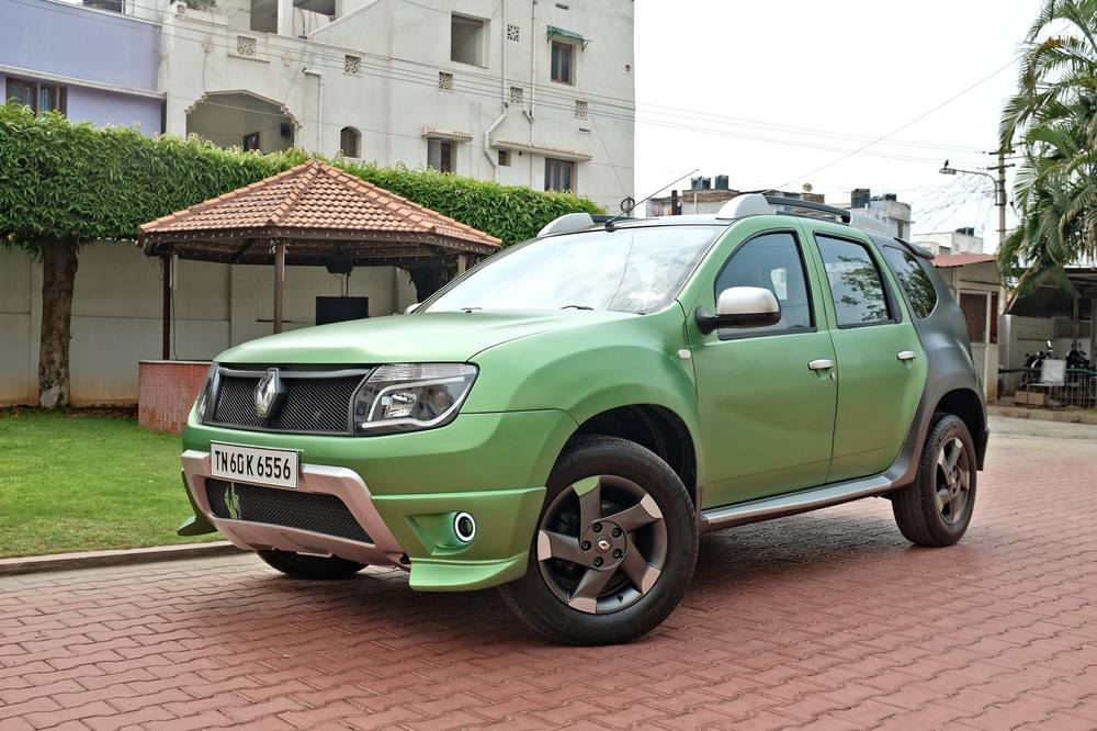 Custom-Renault-Duster-by-KitUp-Automotive-front-three-quarter.jpg