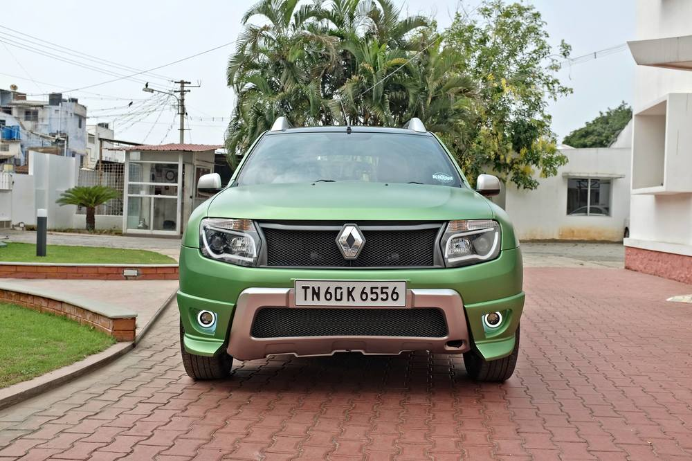 Custom-Renault-Duster-by-KitUp-Automotive-front.jpg