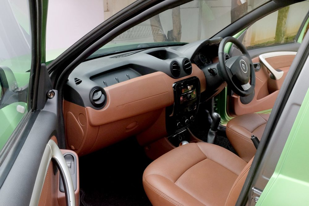 Custom-Renault-Duster-by-KitUp-Automotive-interior.jpg