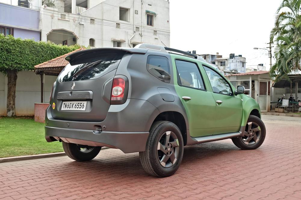 Custom-Renault-Duster-by-KitUp-Automotive-rear-three-quarter.jpg
