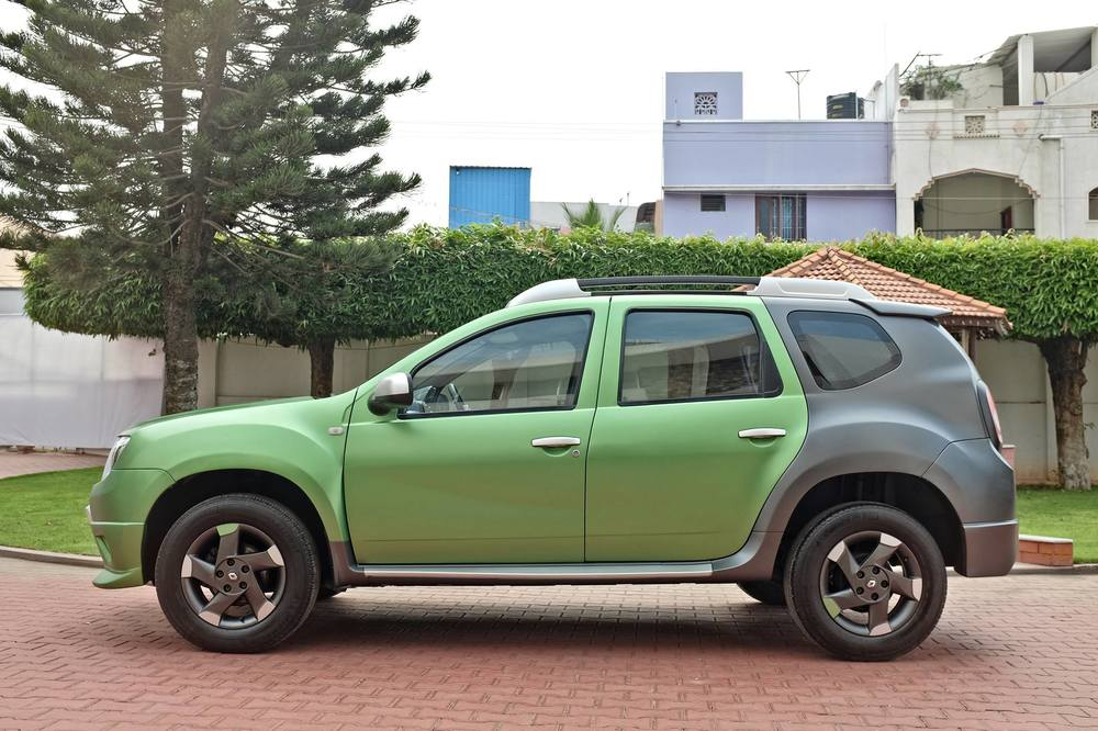 Custom-Renault-Duster-by-KitUp-Automotive-side.jpg