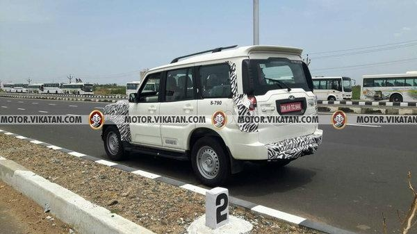 Rear-spyshot-of-the-2017-Mahindra-Scorpio-facelift-taillamp.jpg