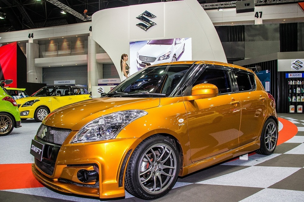 Custom-Suzuki-Swift-Bangkok-International-Auto-Salon-orange.jpg