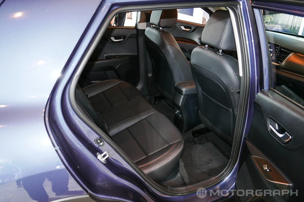 Kia-Stonic-rear-seats.jpg