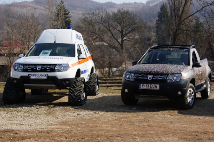 Renault-Duster-Ambulance-front-with-caterpillar-tracks.jpg